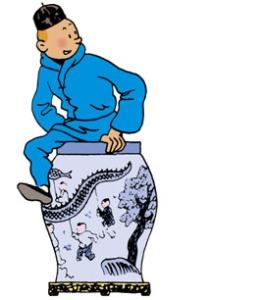 Le jeune Tintin jouant avec une enceinte Pearl & Oakley à Moulinsart.