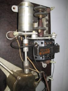 Le rotor, les trois galets t le tambour de la transmission de la Scott 710.