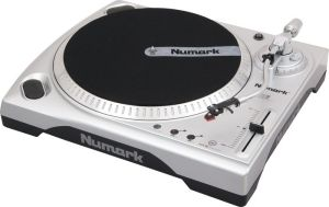 Put the f**king record on the f**king turntable diraient nos amis anglais.
